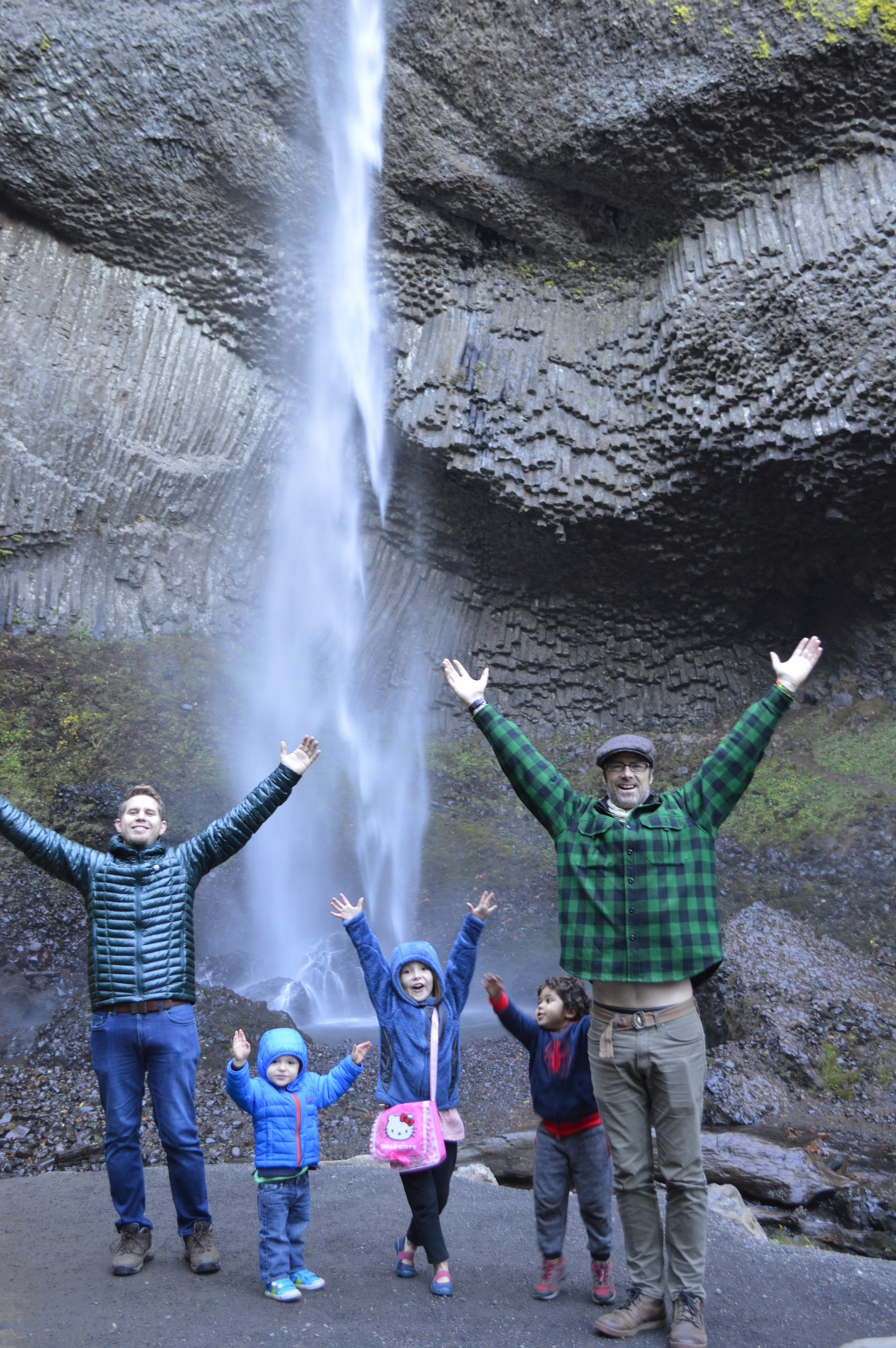 Columbia Gorge Waterfall Hike Tour (Van Only)